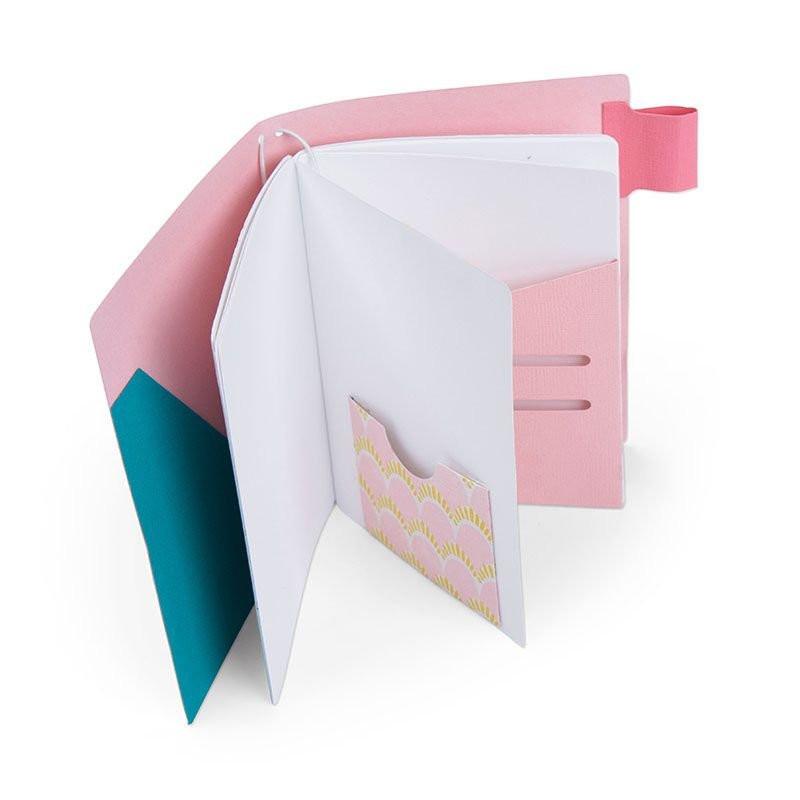 Fustella Sizzix Bigz XL 663627 Diario di Viaggio con pagine e scomparti
